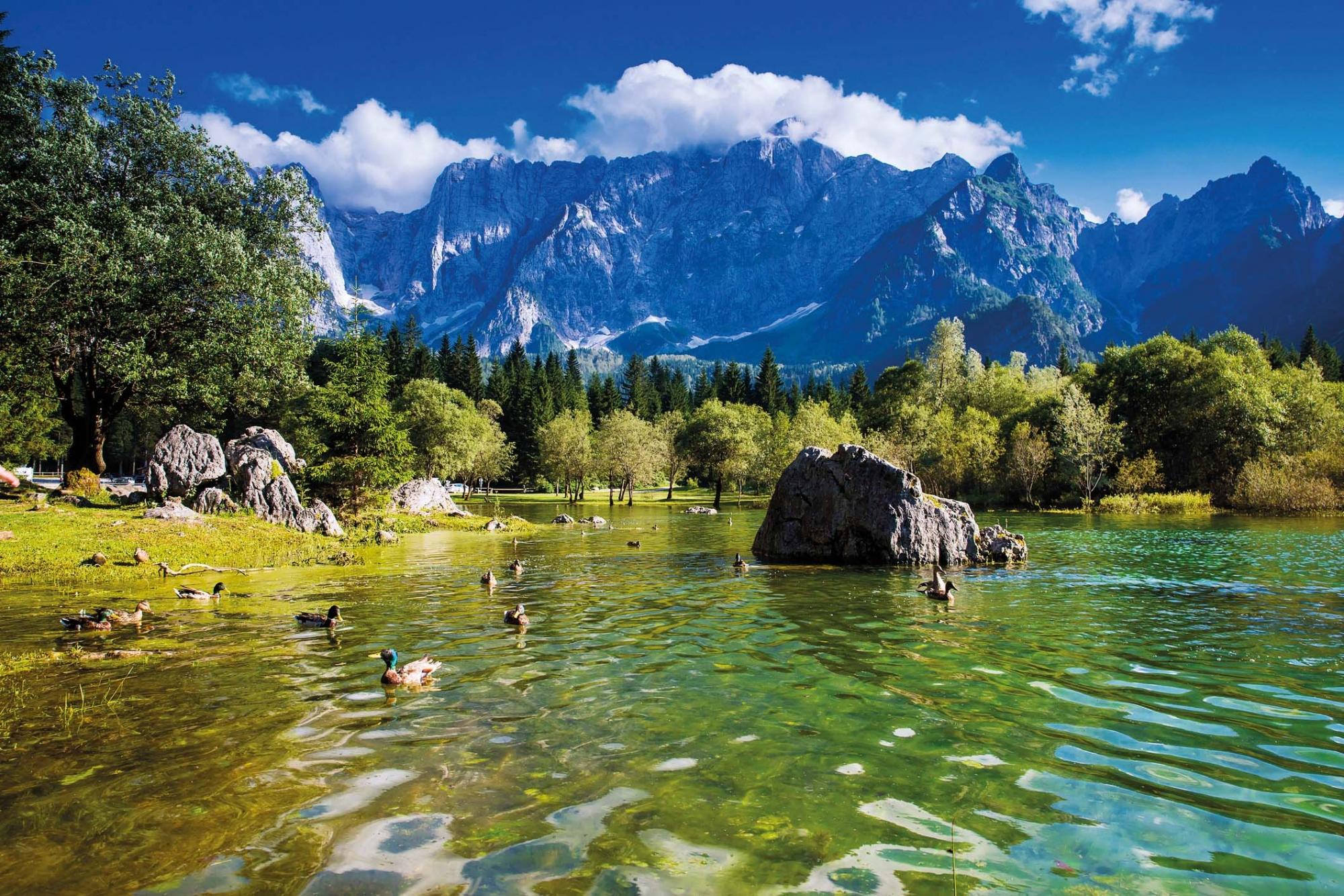 Soca Tal, Lago di Fusine, Blick auf den berg Mangart