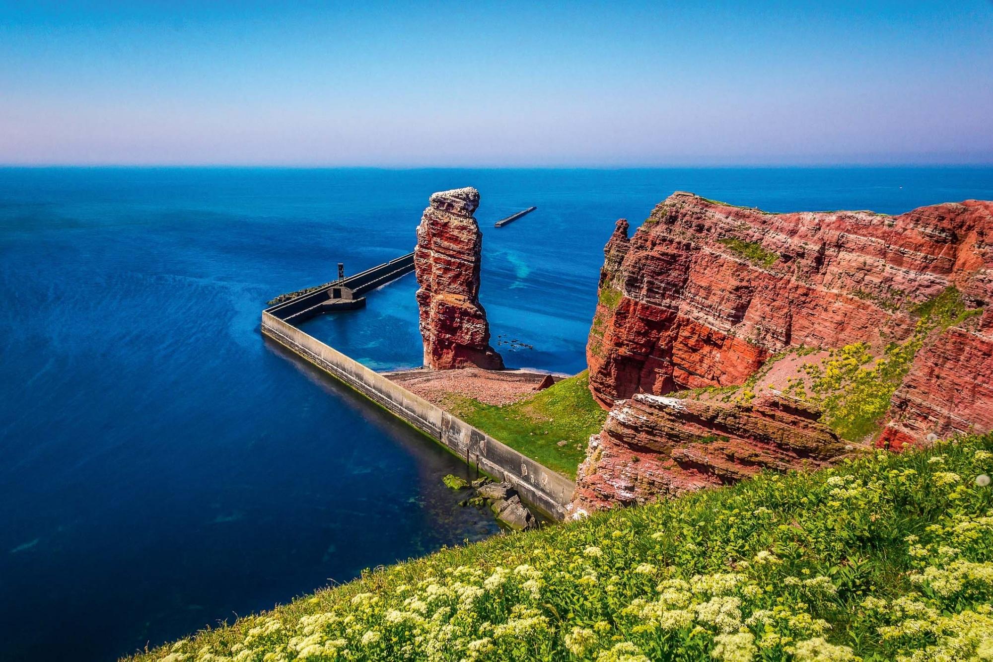 Nordseeküste, Buntsteinfelsen auf Helgoland