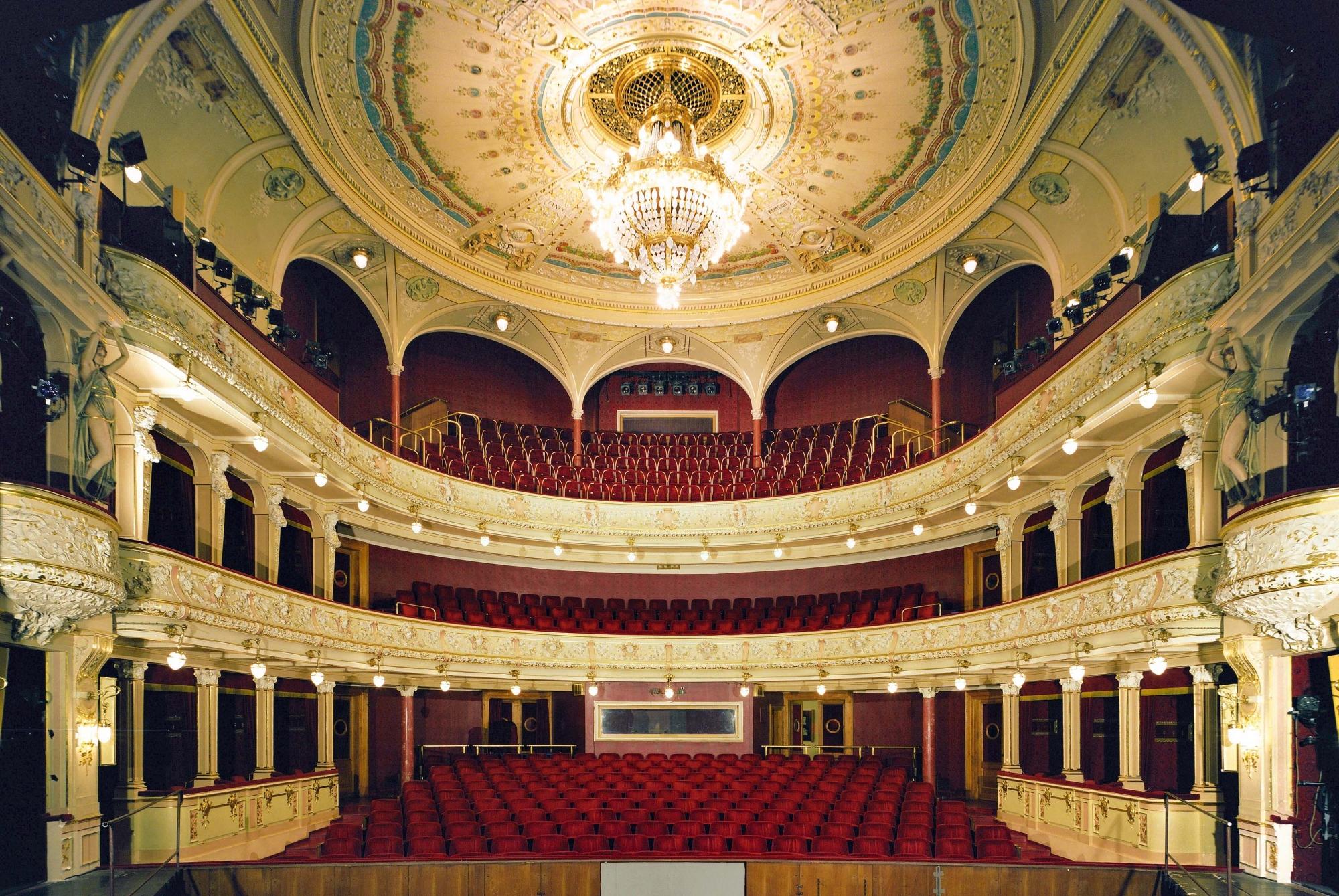 Pilsen, Tyl Theater