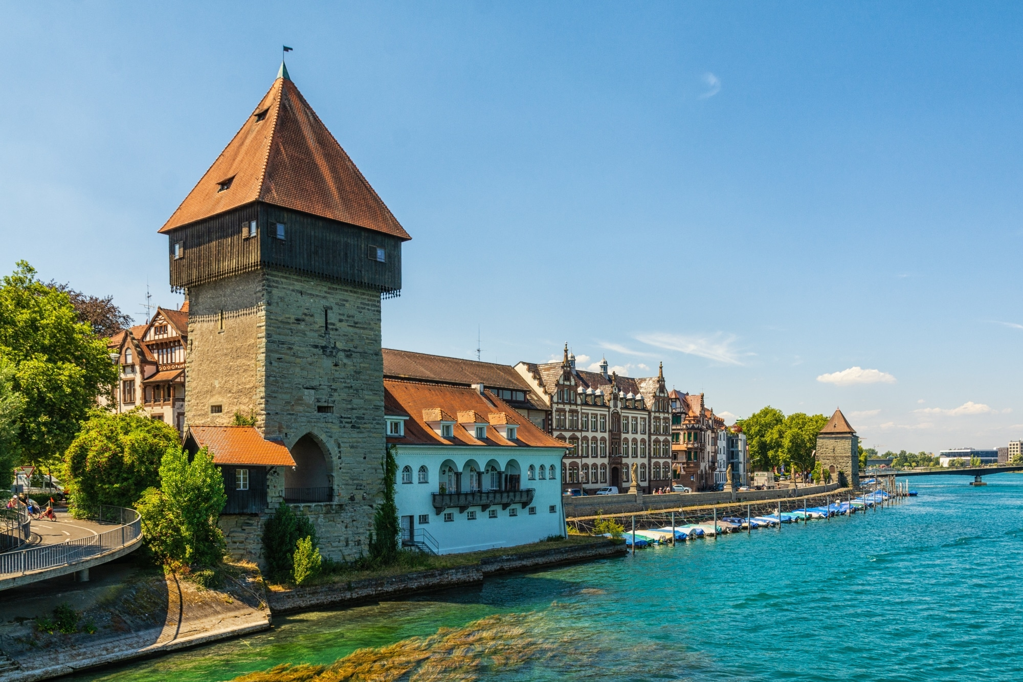 Der Rheintorturm in Konstanz am Bodensee © adobestock