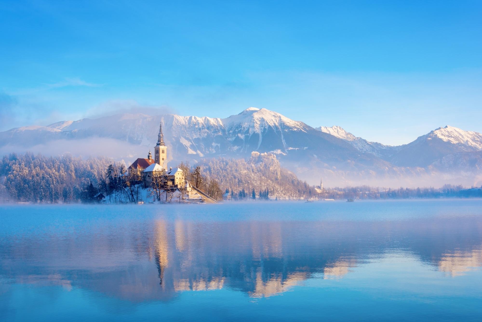 Bled See im Winter (c) Adobe Stock
