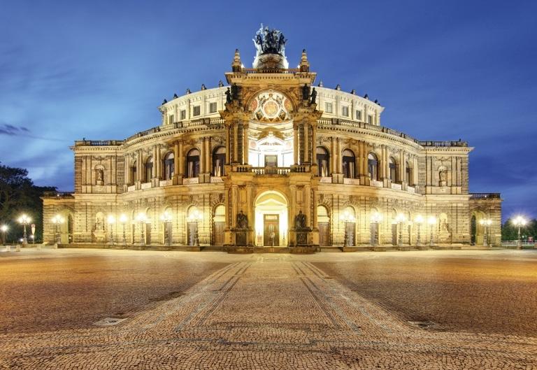 Semperoper Dresden © adobestock