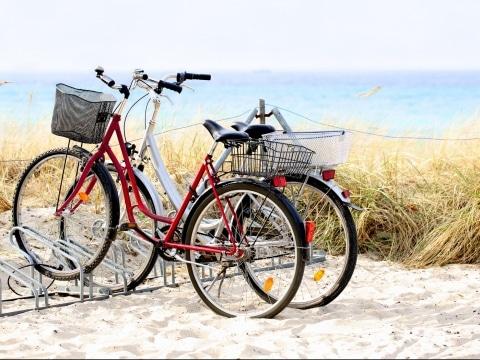 Ostsee, Fahrräder, Adobestock